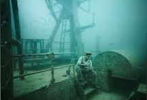 "Andreas Franke Underwater / ""With his project ""The Sinking World"" Andreas Franke brings a strange, forgotten underwater world back to life and stages realms of an unprecedented kind."" http://www.thesinkingworld.com/#"