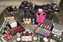 get Kit Lay Out / by uGetmade makeup artistry