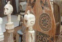 Rue de Siam - objets art / Il n'est pas toujours facile de distinguer entre l'objet déco, le bel artisanat et l'objet d'art...  Une des meilleures définitions entendues de l'objet d'art est qu'il change notre perception du monde  Avec cette sélection de statues et autres objets (...), aucun doute n'est permis...  On parle bien d'Art ici...