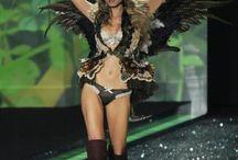 Victoria Secret Fashion Show 2009 - Enchanted Forest