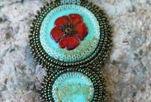 Embroidered neckpieces