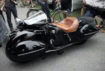 moto retro futuristic
