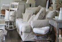 Modern Farmhouse Decorating / A blend of old and new
