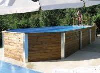 Swimmingpools / Wie wär's mit einer Abkühlung oder Ausdauerschwimmen im eigenen Swimmingpool? Ein Massivholz-Pool von WEKA bietet optimalen Badespaß für viele Jahre und stellt eine wirkliche Alternative zu herkömmlichen Kunststoff- oder Stahlbecken dar. Durch die Natürlichkeit des Materials Holz fügt sich der Swimmingpool in jeden Garten und jedes Grundstück harmonisch ein. Er ist besonders stabil und bietet vielseitigen Nutzen.