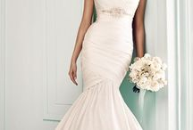 Here comes the bride<3 / by Thalia Garcia