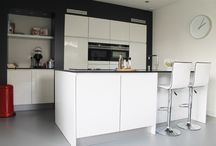 Moderne Keukens / Moderne Keukens, hoogglans, greeploos, noemt u het maar op. Allemaal gerealiseerd door Keukenstudio Regio Oost te Rijssen.