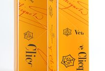 Veuve Clicquot folded ice bucket   Packaging by MW Luxury Packaging / Materials: wrapped rigid board with PU liner  Markets: France  Developed and Manufactured by MW Luxury Packaging