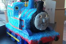 Train party / Train party ideas for cakes, party games, party favors and food. Diy ideas for Thomas the tank engine parties on the go.