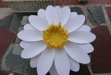 Grandi fiori di carta