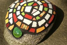 my mosaic stones / stones decorated with mosaics