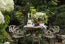 Uteplatser och rum i trädgården