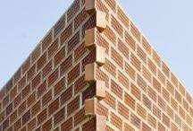Dynamic Brick Wall