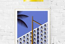 """""""The Simple Life"""" par Jeremy Booth / Bienvenue dans l'univers d'un amoureux d'architecture et de design. Ce passionné, c'est Jeremy Booth, un artiste prometteur. Ce jeune illustrateur américain a recemment fait parler de lui dans le monde du graphisme (Fubiz, Digital Arts...). Pour « The Simple Life », sa première exposition française, l'artiste du Kentucky a crée des affiches graphiques sur le thème des façades architecturales américaines et des objets familiers du milieu des années 50."""