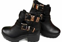 Open Chelsea Boots