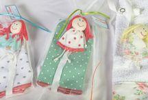 Babitas y portachupetes / Babitas de suave algodón para mantener limpito a tu bb, también vas a encontrar algunos portachupetes muy dulces y coloridos !!