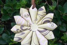 Цветы, помпоны из бумаги
