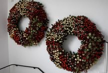 Christmas Theme Ideas / Looking for new themes for your decorations this Christmas? Here are some fantastic ideas and colour schemes that you might like to try. From golds and purples to icy blues and silvers, to the more traditional schemes with reds, golds and greens. Here at UK Christmas World we have everything you will need for your new Christmas themes!