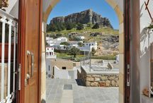 Lindian Jewel Exclusive Apartments @ Lindos / Located in the traditional settlement of Lindos, Lindian Jewel Exclusive Apartments lies within a short walk from restaurants and shops and just 300 metres from Agios Pavlos Beach. It offers self-catering units with free Wi-Fi and views over the Acropolis of Lindos. Opening to a common courtyard, the studios and apartments of Lindian Jewel are traditionally decorated with built-in sofas and wrought-iron beds.