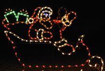 Animated Sleigh & Reindeer Sets / Holiday Lights offers the highest quality Christmas lighting displays including Santa's sleigh & reindeer sets and many other seasonal designs.  HolidayLights.com