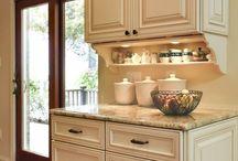 Dream kitchen / by Destiny Molatore