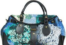 DESIGUAL / Le borse da donna Desigual sono l'accessorio ideale per qualsiasi look. Audace? Vanitosa? Sexy? O semplicemente trendy?