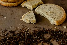 Healthy Cookies / Healthy, fitness friendly and delicious alternatives to cookies with the calories cut.