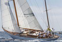 Navegando a vela / Navegar a vela es un placer. Disfruta de sus imágenes.