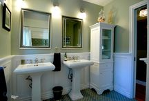 Bathroom Design 12 / Our green and white traditional style full size bathroom.