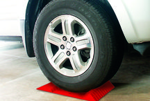 PARK RIGHT® Parking Mat(Red, Black& Yellow!) / Make parking easier and prevent damage to your vehicle and garage!