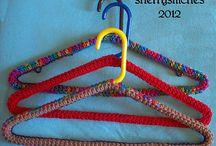 Oorgetrekte hangers / Hangers