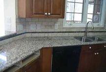 Granite-Medium Colored Wood Cabinets / Granite colors that look great with medium to medium dark cabinets