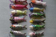 sardinhas em tecido ou feltro
