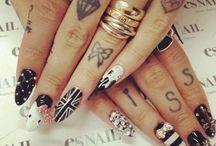 körmök és tetoválások :)