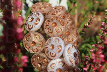 Antique Flower / http://www.beadsczech.com/flowers-mm-a-button.html#o_3486