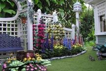 Miniaturas de jardín, miniature garden. / Flores, invernaderos, paisajes, huertos, porches, animales ... / by Dolores Mario Alvarez