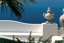Blu Mediterraneo - Acqua di Parma / Profumi unici che si sviluppano attorno ad un ingrediente simbolo di un luogo indimenticabile ed esclusivo, a far da sfondo il mare mediterraneo con i suoi colori, aromi e profumi.