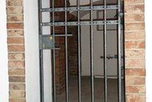 kované mříže a dveře