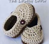 crochet baby by shoes