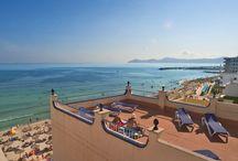 """JS Horitzó, Can Picafort / En primera línea de la espléndida playa de Can Picafort, a pocos metros del centro comercial y de la animada vida nocturna,  cuenta con 74 habitaciones con una vistas inmejorables al mar. La emblemática terraza bar """"Cafetería Horitzó"""" en el paseo marítimo es una visita obligada en Can Picafort. / by JS Hotels"""