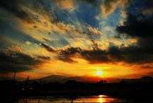 随分と長い間、太陽を見ていない気がします。 It's been bad weather these days. I miss the sun. #sunset #landscape #skyview #夕陽 #田んぼ写真