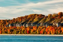 Fall Travel to Alton, Illinois / Looking for the best place to see fall foliage? Visit the Meeting of the Great Rivers National Scenic Byway to see incredible fall colors!