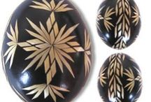 Stroh-Eier
