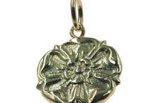 Plant Charms / https://www.chain-me-up.com.au/plant-charms-for-bracelets-silver-gold.asp