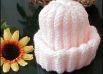 Prem baby knitting