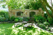 Ruinenmauern, Gartenhäuser / aus alten Mauerziegeln, Feldbrandsteinen und Klosternbrandsteinen erbaut