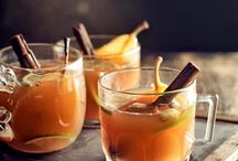 Christmas Cocktails / Christmas cocktails, hot cocktails, mulled wine, cinnamon, brandy, cider, chocolate, orange, cranberries and all things Christmassy!