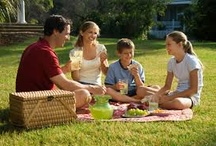picnic with children / Parents should spend time on weekend by arranging a picnic with kids