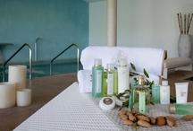 Spa / Ofrecemos un completo programa de aromaterapia con aceites corporales 100% naturales, elaborados con ingredientes de Ibiza. Los masajes de Campos de Ibiza: una experiencia relajante, olfativa y con sabor mediterráneo que logra crear una perfecta armonía entre cuerpo y mente.