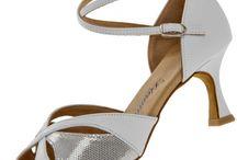 Tanzschuhe Sondermodelle / Faszinierende Sondermodelle an Tanzschuhen von der Firma Diamant. Finden Sie die neuen Modell jetzt bei Dance-Dream.de.