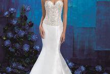Sweetheart Neckline Wedding Gowns